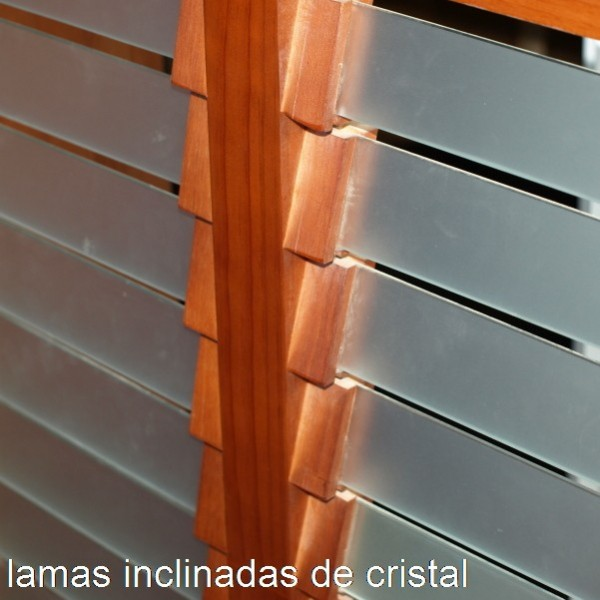 Cubreradiador moderno con cristal y madera maciza - Cubreradiadores de cristal ...